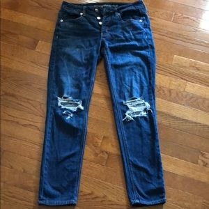 American Eagle Outfitters blue jeans with holes
